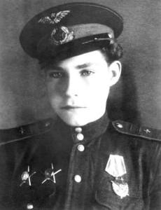 Самый молодой пилот Второй мировой войны Аркадий Николаевич Каманин (1928-1947). Кавалер ордена Красного Знамени, двух орденов Красной Звезды.