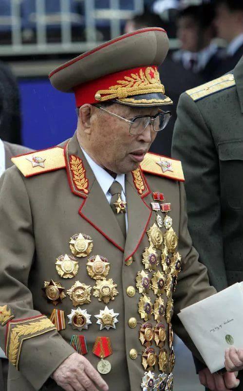звёздная генералы северной кореи фото красивая