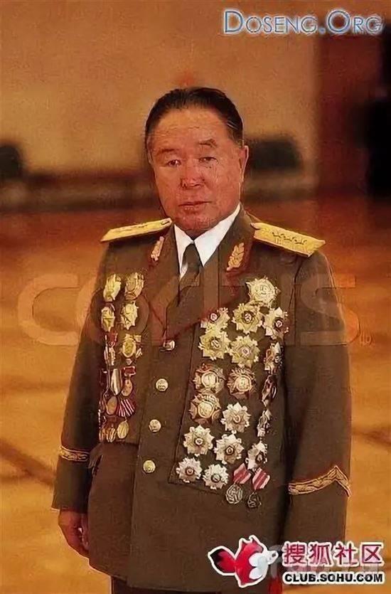 Китайские генералы в орденах фото
