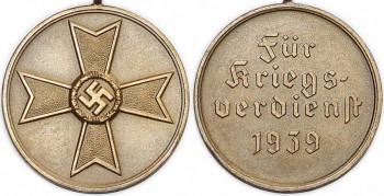 Аверс и реверс медали Креста военных заслуг.