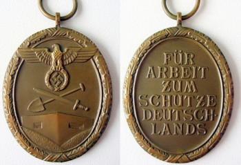 Аверс и реверс медали за сооружение Атлантического вала.