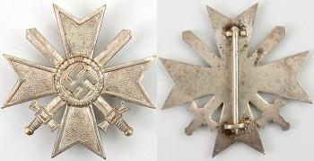 Аверс и реверс Креста За военные заслуги с мечами 1 класса.