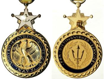 Аверс и реверс военно-морской медали «За выдающиеся заслуги».