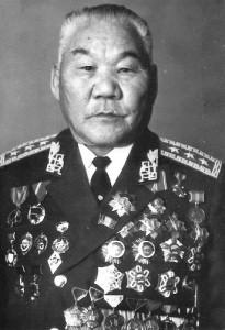 Герой МНР генерал-полковник Буточийн Цог (1912-1989) награжден орденом Сухэ-Батора пять раз.