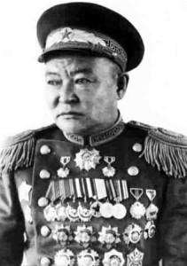 Маршал Хорлоогийн Чойбалсан (1895-1952) единственный дважды удостоившийся звания дважды Героя Монголии.
