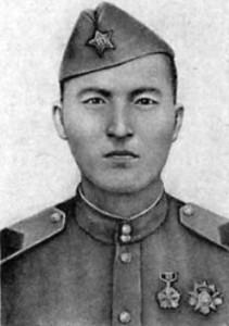 Цирик (рядовой) Монгольской народной армии Лувсанцэрэнгийн Аюуш, пулемётчик. Награждён за отличие в советско-японской войне посмертно.