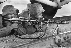Награды 3 рейха - Пулеметный расчет MG-34 дивизии СС «Лейбштандарт Адольф Гитлер» в боях за Мариуполь