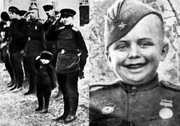 Самый юный кавалер медали «За отвагу» - воспитанник 142-го Гвардейского стрелкового полка шестилетний Сергей Алешков, удостоенный высокой награды ВОВ за спасение командира.